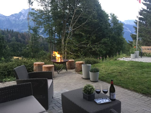 Swiss Mountain Chalet-Apartment(1 bedroom+sofabed)