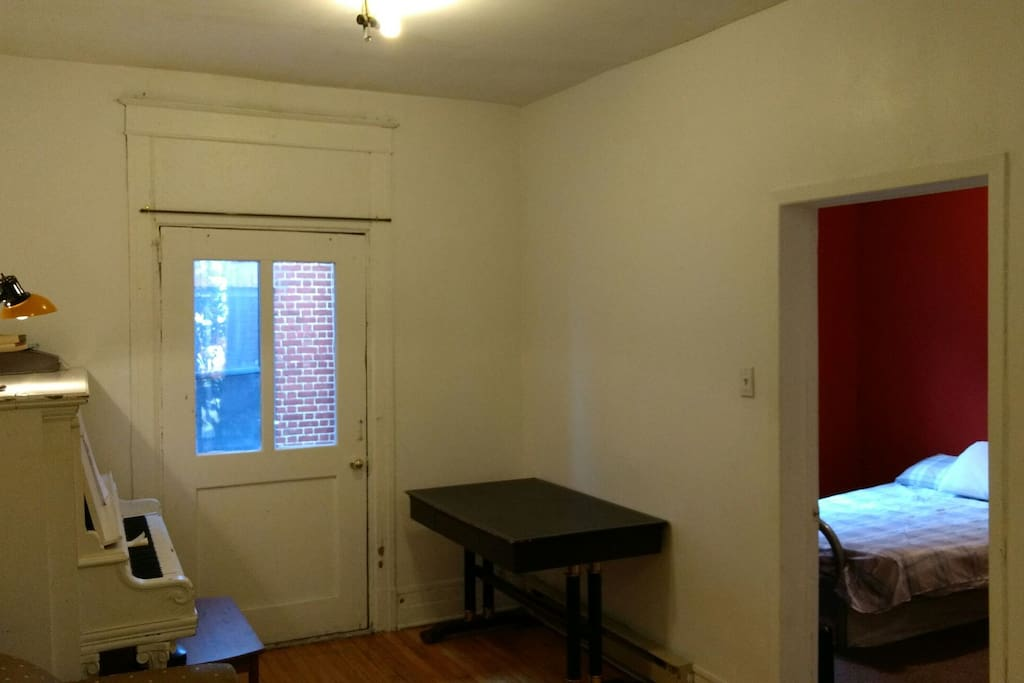 Montreal Mile End Apartments For Rent