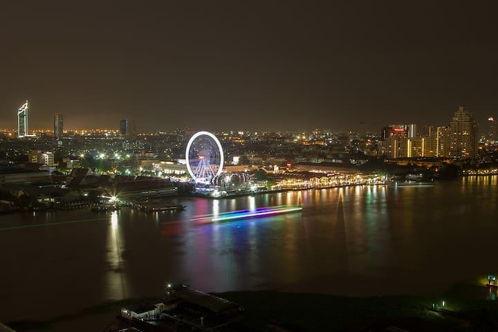 Bangkok Chao Phraya Riverside Amazing view + Wifi. - Bangkok - Condomínio