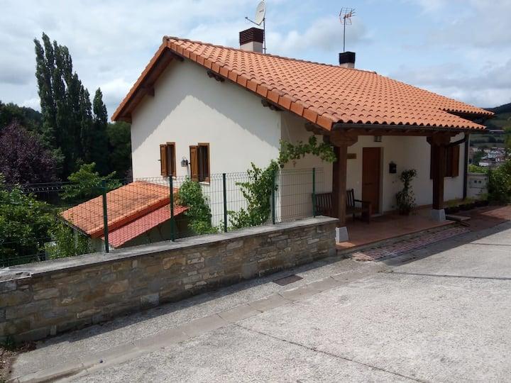 Casa rural Ezpeleku (alquiler íntegro)
