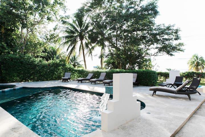 Villa Coronado 4 Bedroom/4.5 Bath in Cozumel!