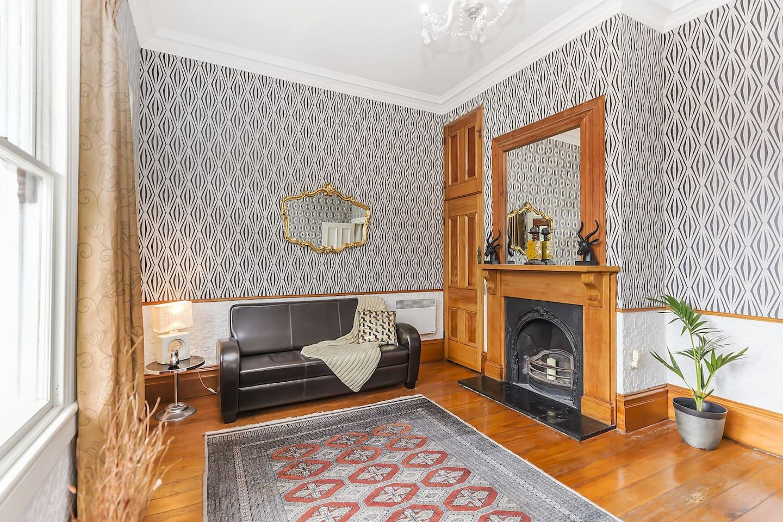 Victorian charm with balcony