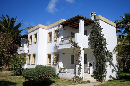 2-15 September Avta 1+1 House