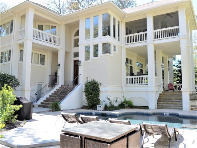 5 Long Boat ~ Magnificent Home Only 2nd Row from the Ocean