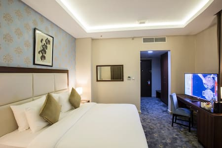 Complimentary Breakfast for 2 —Superior Room