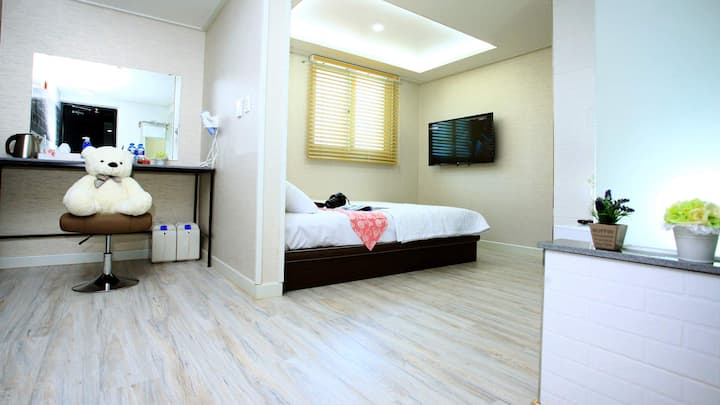 Inn Gyeongju Guesthotel (Double Room A Type 2)