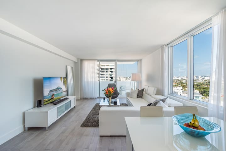 Immaculate 1BD Suite at South Beach Mondrian Hotel