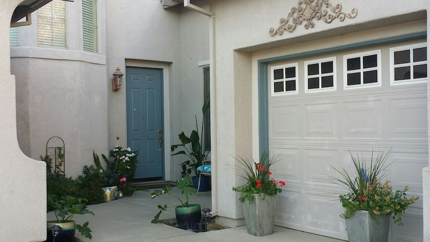 Golf Course Community-Private Room/Bath (Females). - West Sacramento - Rumah