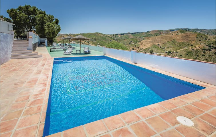 Holiday cottage with 3 bedrooms on 92m² in El Borge