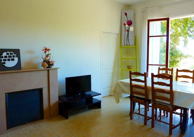 Sympathique appartement à très belle vue - Corte - Hus