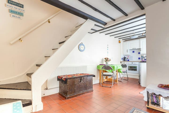 Central brighton north laine cottage sleeps four for Piscine brighton