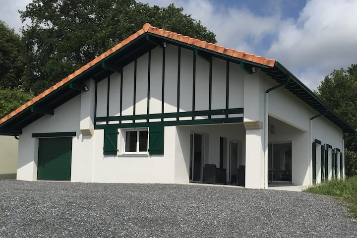Maison basque Txantxangorri 8 pers proche Biarritz