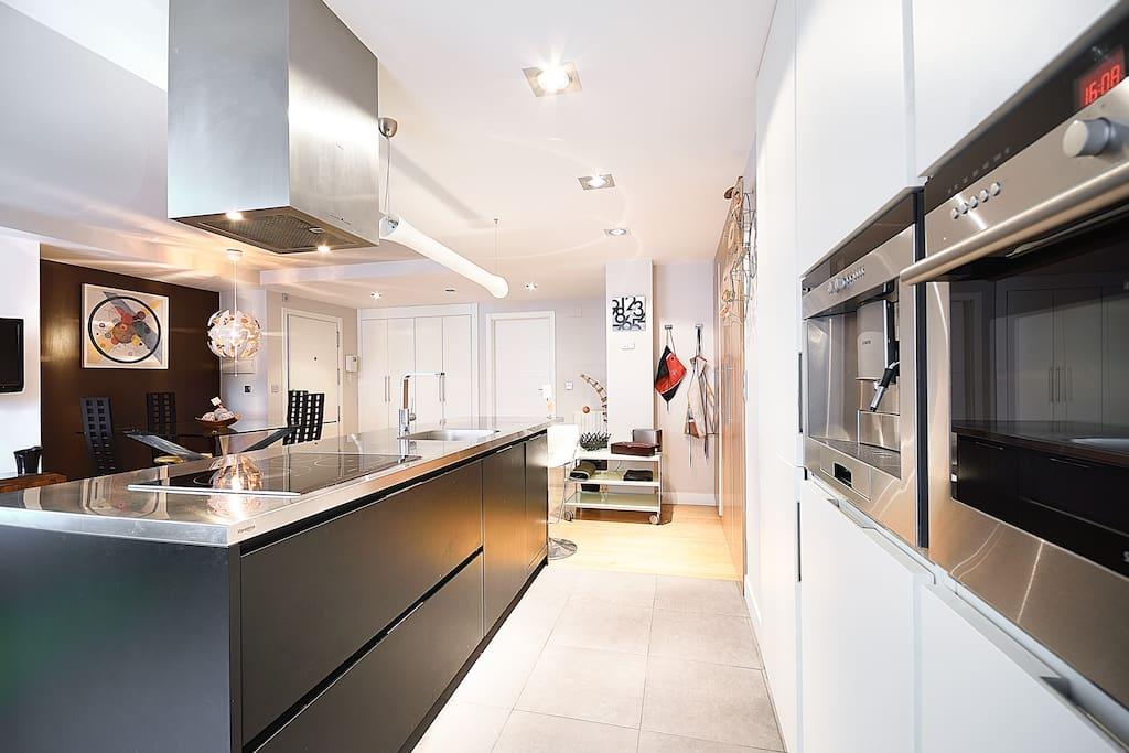 Piso moderno centrico y con garaje casas en alquiler en - Pisos modernos madrid ...