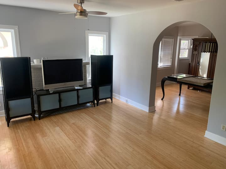 Bright and Spacious Two Bedroom Apartment.