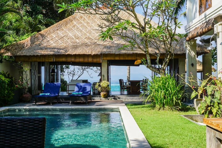 Anjani Villa - Great Family Beachfront Villa