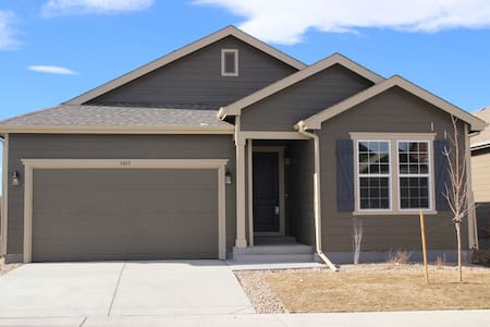 Brand New Home (2017) with Mountain Views - Castle Rock - House