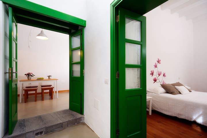 Green House in San Bartolome ! - San Bartolomé - Hus