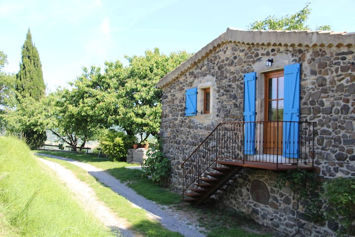 Chambre d'hôtes : Domaine Insolite du Petit Moras