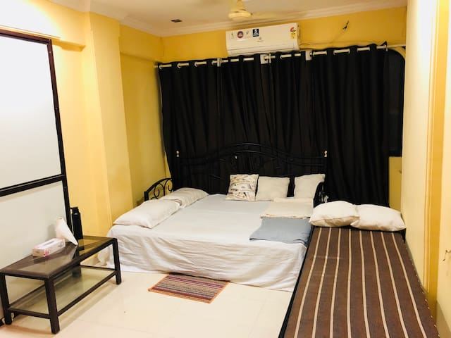 ***ENTIRE HOME:LOCALS&OUTSIDER:1150/-3Guest+10%OFF