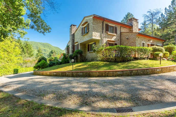 Villa Faltona: Large Private Pool, A/C, WiFi