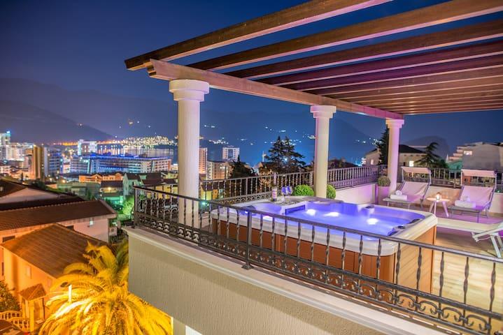 Luxury penthouse sea view & jacuzzi on terrace