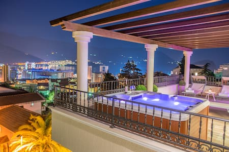 Luxury penthouse sea view & jacuzzi on terrace