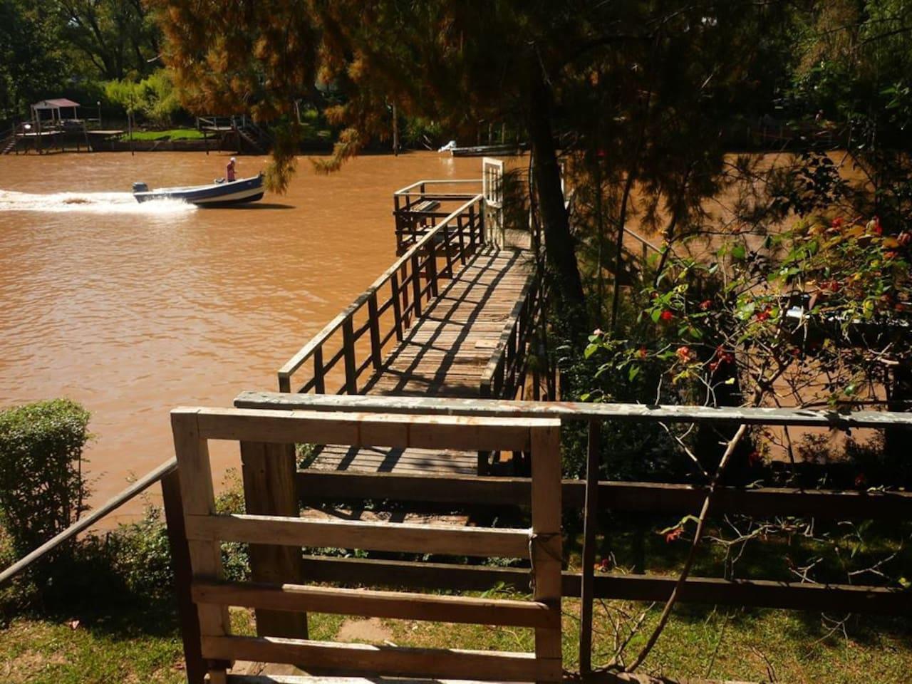 Vista al río desde la casa grande/A view to the river from the big house