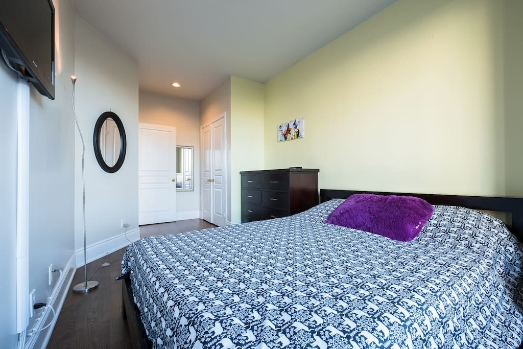 Fully Furnished Spacious Apt Heart Of Yorkville Apartments For Rent In Toronto Ontario Canada