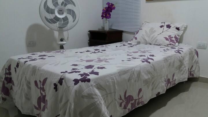 Habitacion amoblada con servicio de  lavandería