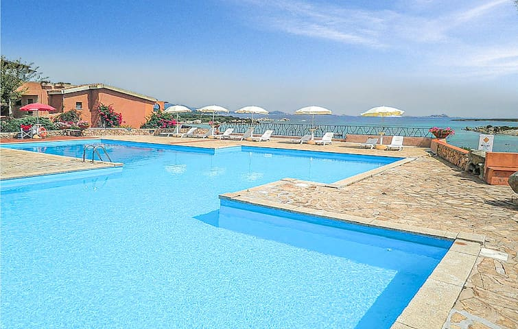 Holiday apartment with 1 bedroom on 39m² in Marinella