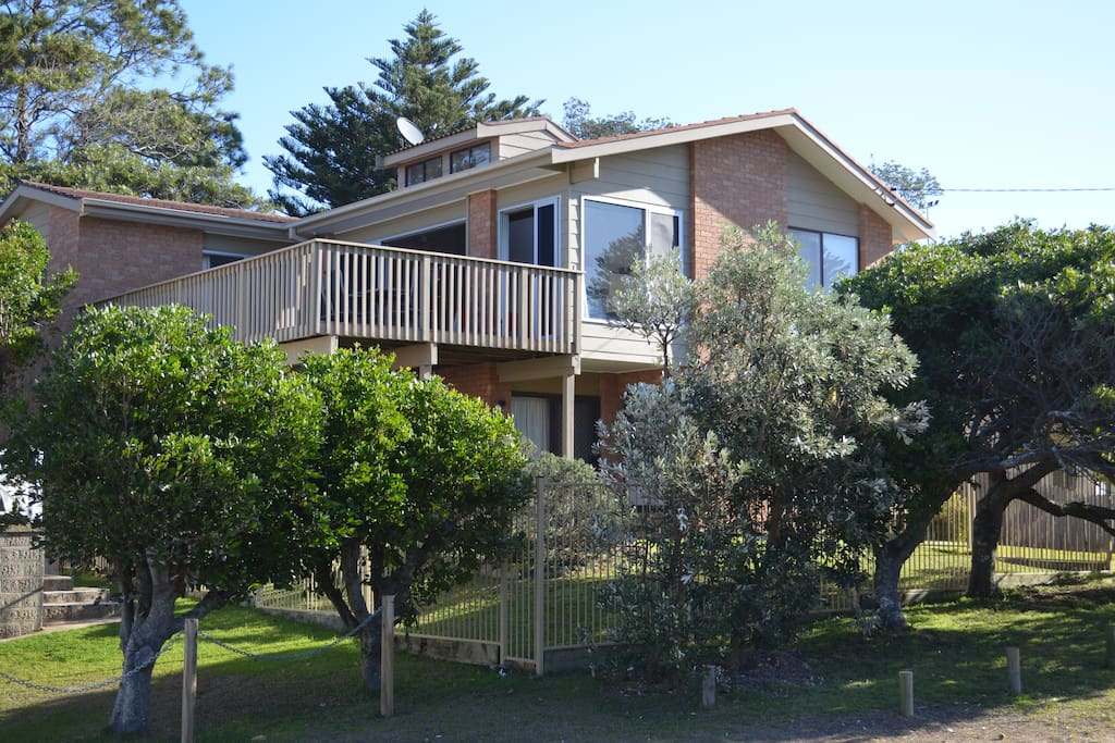 View from the street of Avoca Beach Getaway