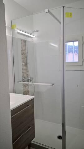 Salle d'eau-douche