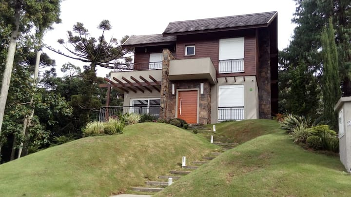 Casa ampla e aconchegante, no Vivendas da Serra