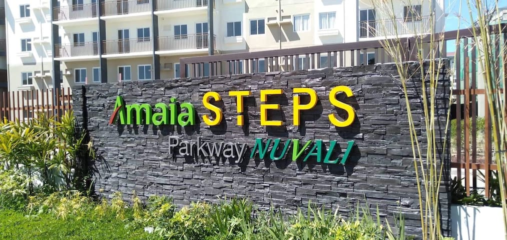 Amaia Steps Parkway condo(short & long term lease)
