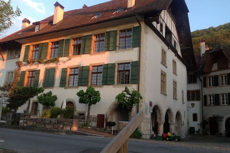 Winzerhaus / Swiss Vine makers House - Ligerz