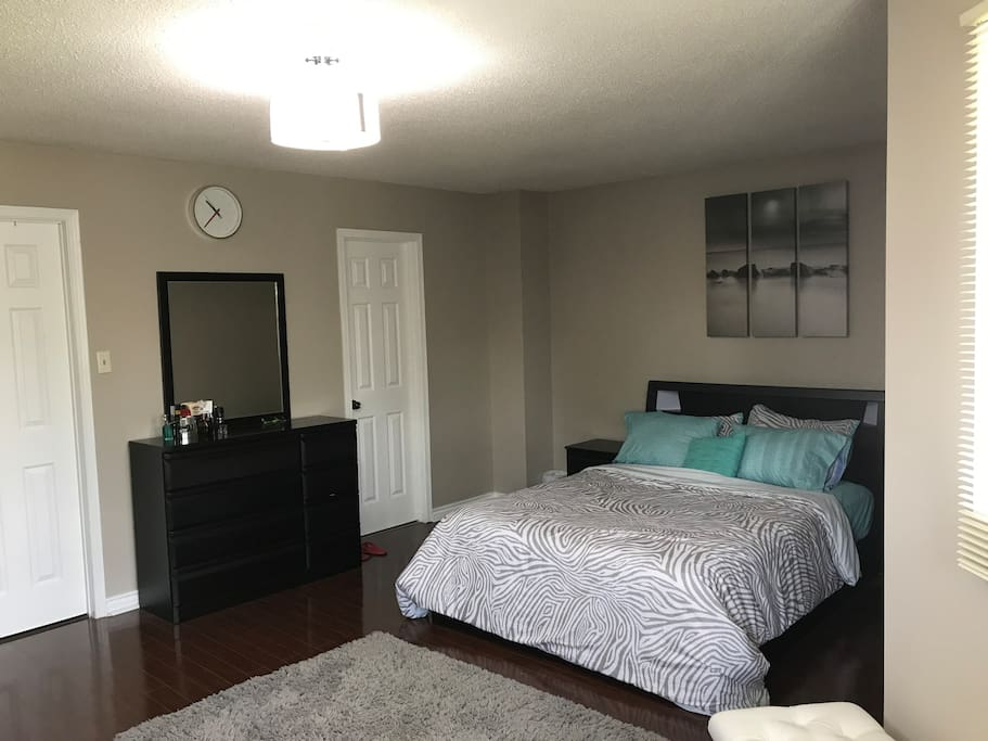 Huge Master Bedroom Washroom Private Parking H User Zur Miete In Mississauga Ontario Kanada