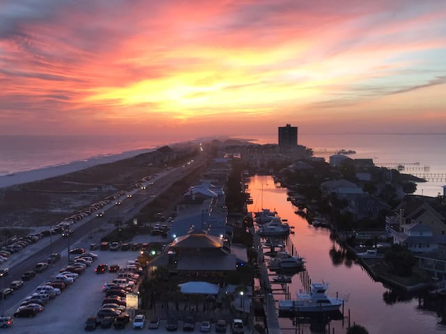 1250-Incredible Views of the Gulf of Mexico
