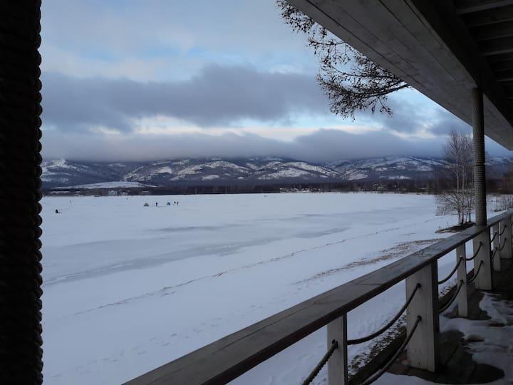 Уютная студия, с видом на озеро
