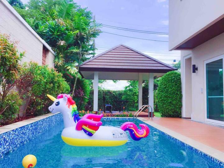 Chiangmai Private Pool Villa 清迈游泳池的别墅พูลวิลล่าเชียงใหม่
