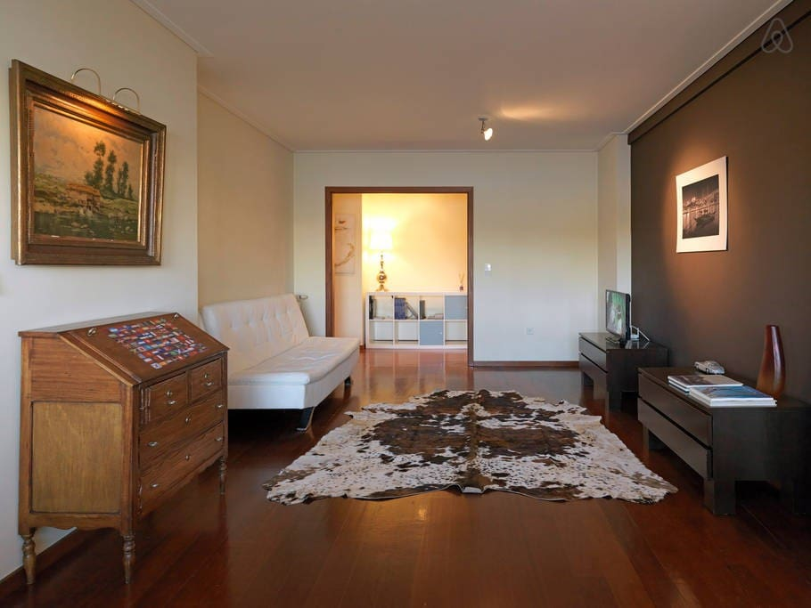 Spacious and bright flat. Best option for groups, families and business travelers.