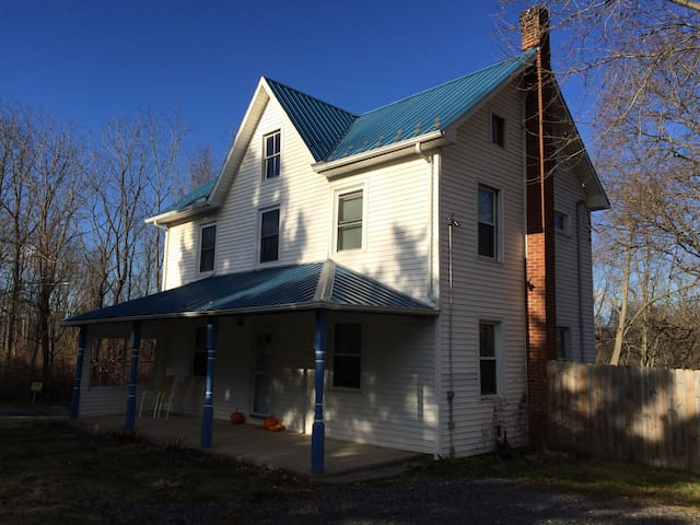 Beautiful Farm House, Close to Town - State College - House