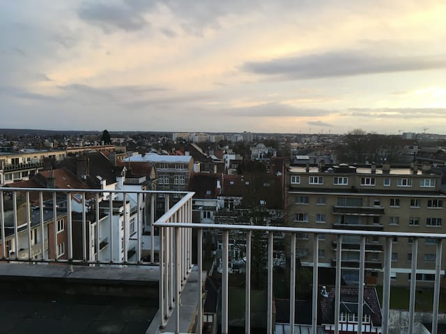 8-th floor penthouse next to Montgomerry - Woluwe-Saint-Pierre - Apartment