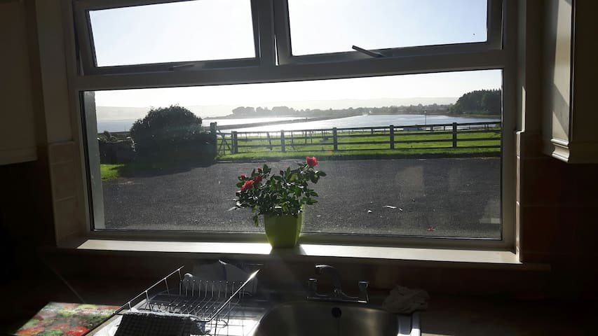 2bed overlooking the sea - dungarvan  - アパート