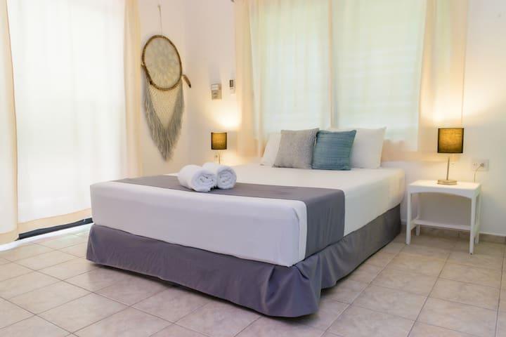 Private Double Room - Casa Blanca Suites