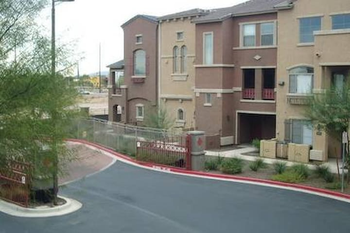 2 Bedroom 2 Bathroom Apt. Chandler, AZ