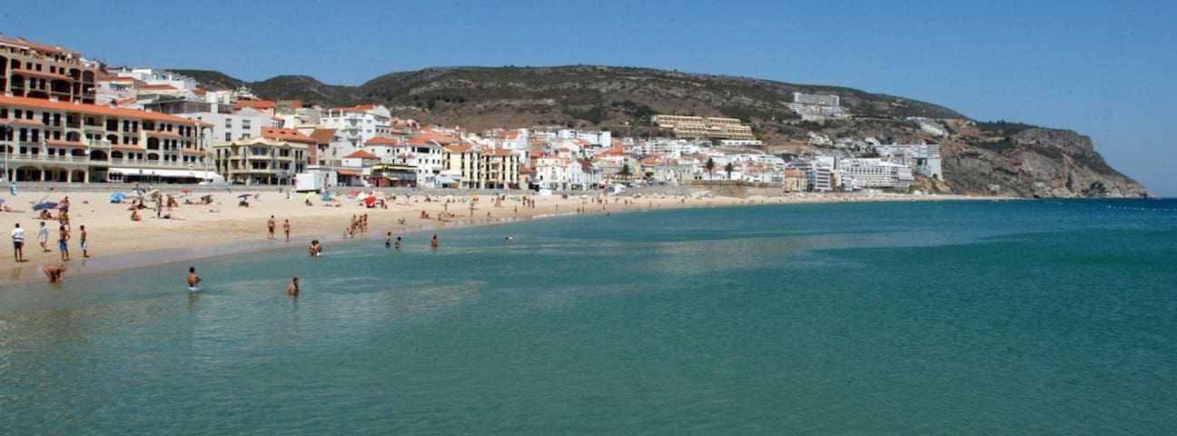Apart T2 Sesimbra - wi-fi, pool and garage