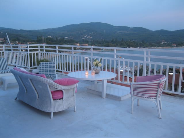 Beautiful penthouse - Neos Marmaras - Лофт