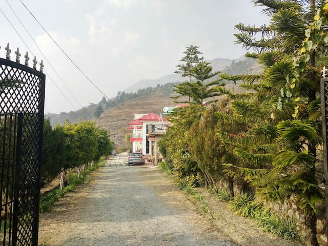 Home in the middle of Naukuchiatal & Bhimtal Lake