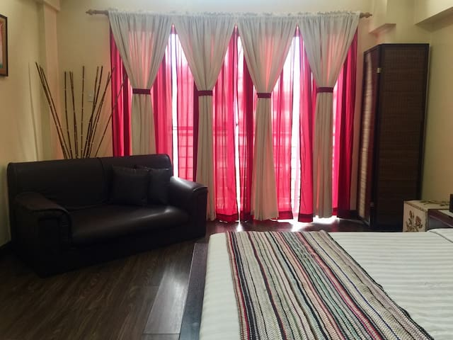 Unit 709 Burnham Suites