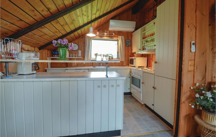 Holiday cottage with 2 bedrooms on 76m² in Hemmet